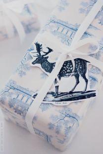 idees paquets cadeaux noel emballages rubans kraft cerf