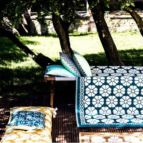 tapis_outdoor_bleu_la_redoute
