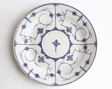 assiette-porcelaine-vintage-motifs-fleurs