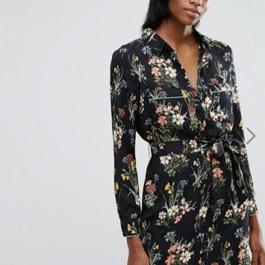 robe-noire-avec-imprime-fleurs