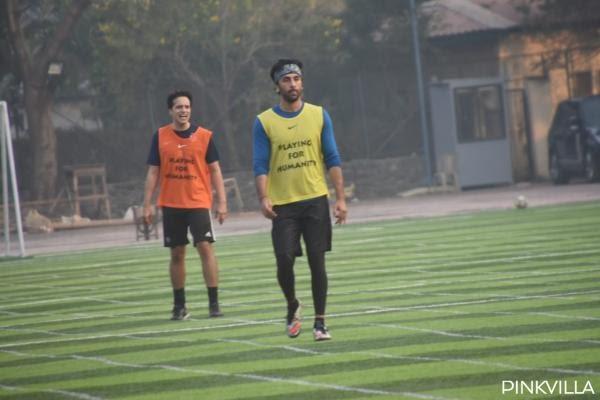 RanbirKapoor-SundayFootball-photos (10)