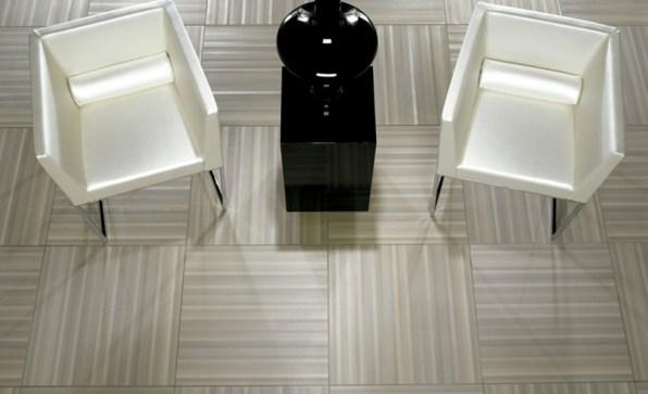 Keraaminenlaatta_keraaminen_kuivapuristelaatta_inalco_atelier_harmaa_lattialaatta_laattasuora