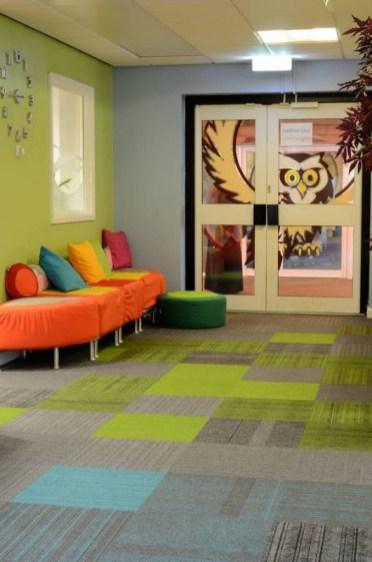 Koulu_burmatex_lateral-carpet-tiles-st-matthews-01-530x800_laattasuora_textiilipalamatto_textiilimatto_palamatto