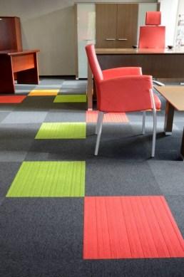 Yritystila_toimisto_konttori_burmatex_mikomax-balance-strands-carpet-tiles-04-530x800_laattasuora_textiilipalamatto_textiilimatto_palamatto
