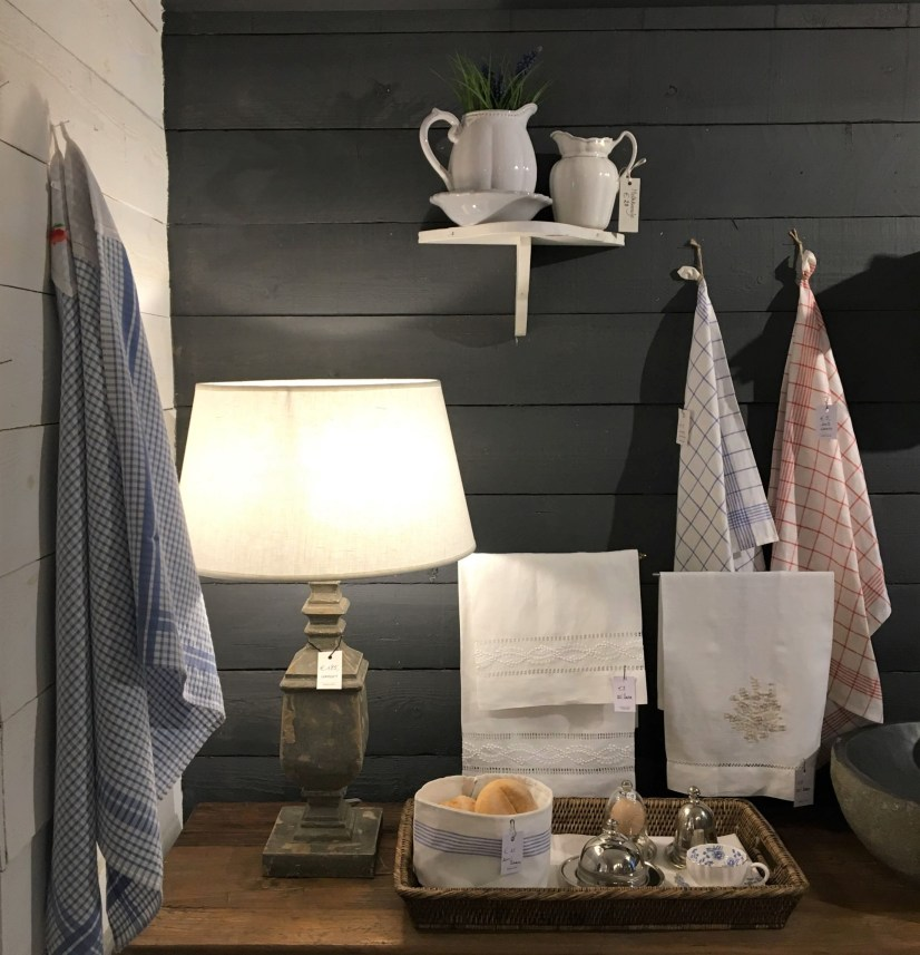 Bruges Honeycombe Silver Towels
