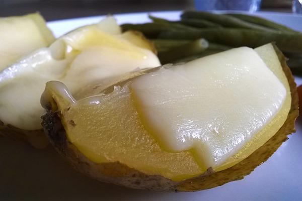 Jacket potatoe formaggio ricetta