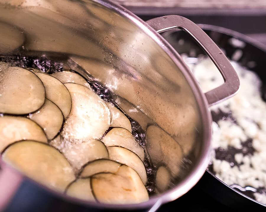 fry the aubergines / egglplants