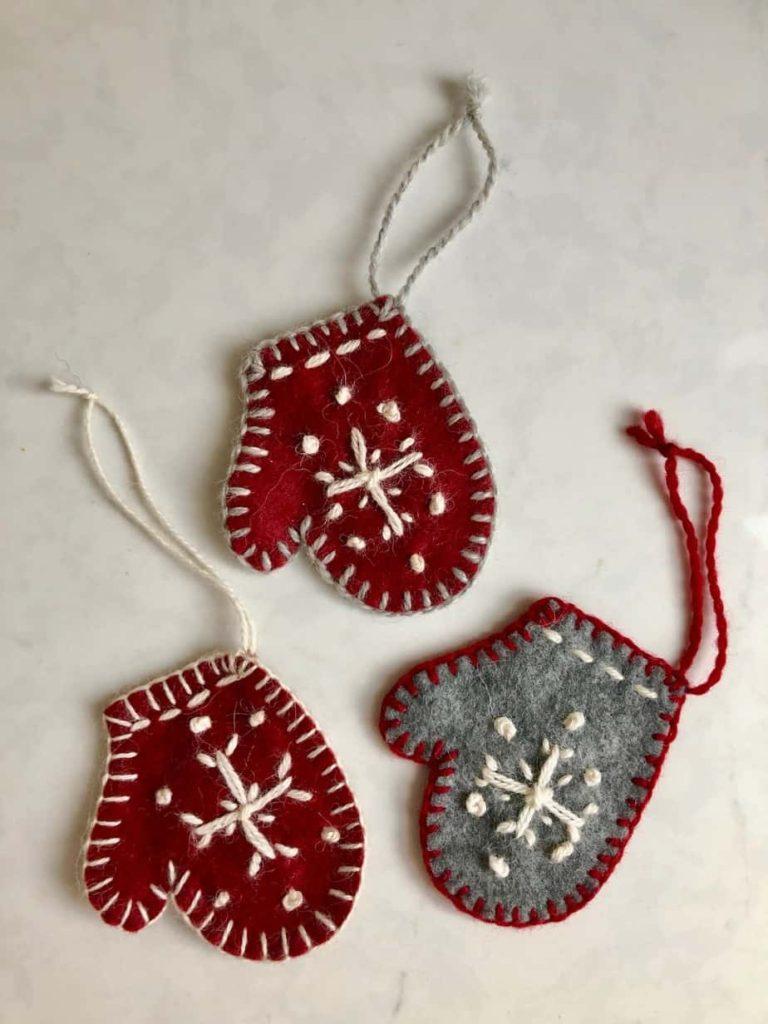 DIY Mitten Christmas Tree Ornaments DIY