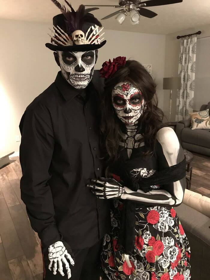 Cute Mexican Skull Costume for Couples | Looking for iconic couples costume Halloween ideas for 2020? Find the best couples Halloween costume ideas, perfect for matching with your boyfriend. Find hot couples costume ideas, cool Disney characters costumes and the best DIY, funny, and scary couples Halloween costume inspiration. #CouplesCostumeHalloween #couplescostume #halloweencouples #halloween