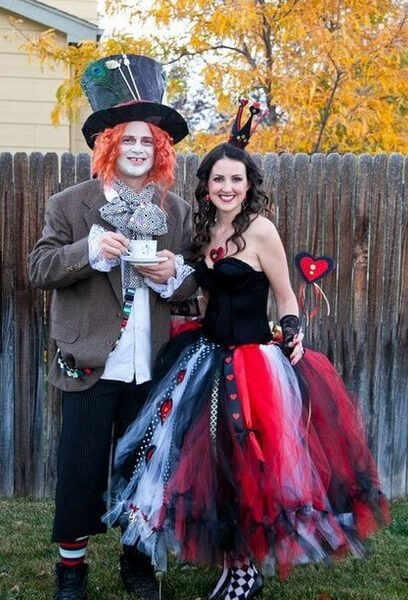 Mad Hatter and Queen of Hearts Halloween Costume | Looking for iconic couples costume Halloween ideas for 2020? Find the best couples Halloween costume ideas, perfect for matching with your boyfriend. Find hot couples costume ideas, cool Disney characters costumes and the best DIY, funny, and scary couples Halloween costume inspiration. #CouplesCostumeHalloween #couplescostume #halloweencouples #halloween