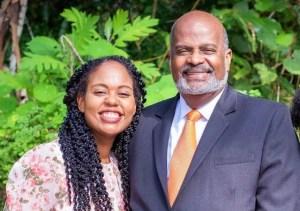 El doctor Elie Henry y su hija Irma