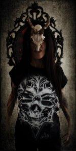 """Ka L-O-K posing with our """"O Tempus Edax"""" T-shirt"""
