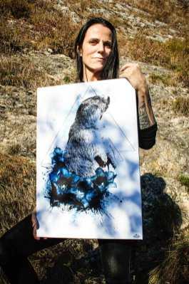 """Ka L-O-K Graphic Artist avec une toile de la série limité HelvEdition """"Marmota Marmota"""""""