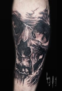 Tattoo | Tatouage | Tätowierung by Guy Labo-O-Kult | Black and Grey Skull