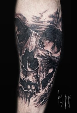 Tattoo | Tatouage | Tätowierung by Guy Labo-O-Kult | Black and Grey Skull