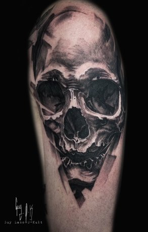 Charcoal Style Skull by Guy Labo-O-Kult
