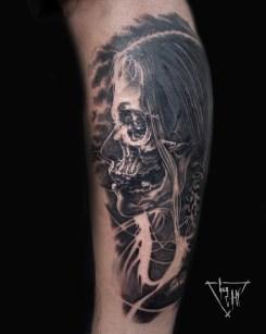 Vanité par Guy Labo-O-Kult, tatouage sur mollet