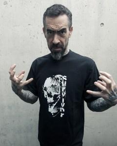 Guy & T-Shirt 2020 Survivor | Labo-O-Kloth Apparel