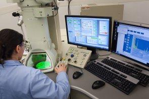 Microscope Electronique à Transmission pour le diagnostic des fibres d'amiante