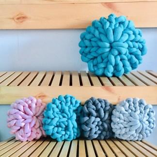 coussin-12po-tricot-rosace-la-boite-ateliers-creatifs