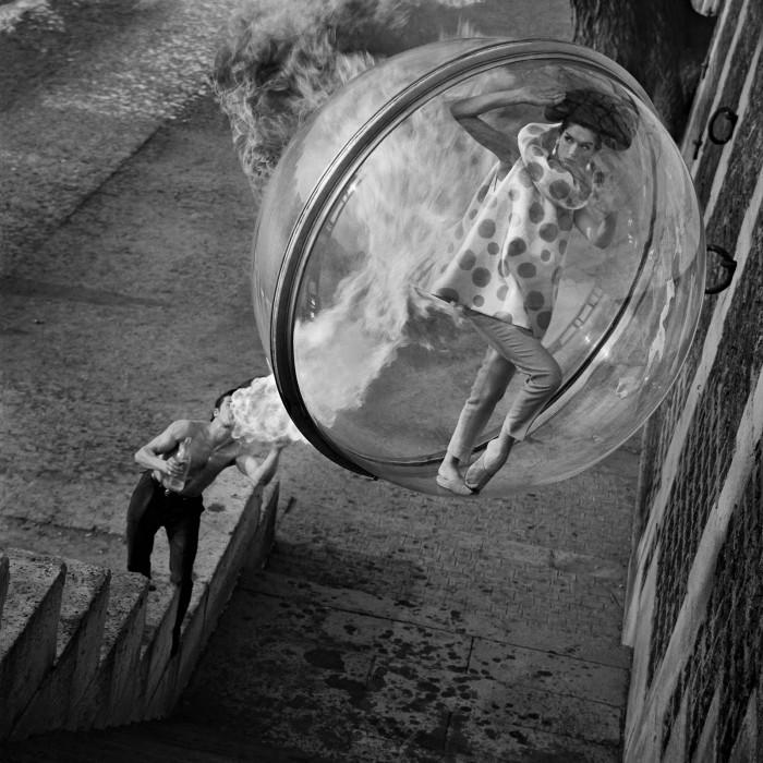 Melvin Sokolsky mode bulle paris 091 700x700 Une bulle à Paris
