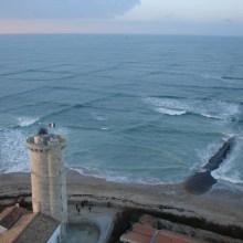 Des vagues croisées