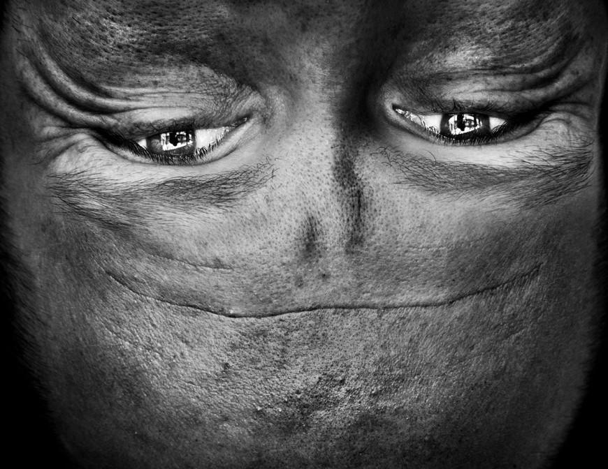 ride visage retourne alien 07 870x672 Des visages à lenvers