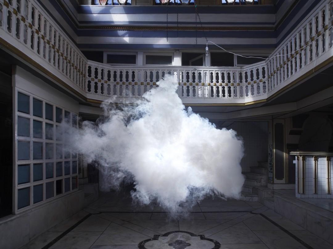 nuage-interieur-Berndnaut-Smilde-08