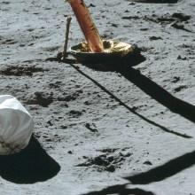 La première photo prise sur la Lune est d'un sac poubelle