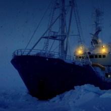 10 heures des bruits d'un brise glace au ralenti dans l'arctique