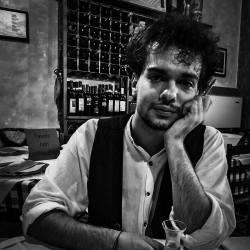 Ora all'uva basta un soffio per marcire – Mattia Tarantino