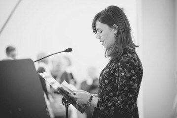 Una domanda al poeta: Mariagiorgia Ulbar