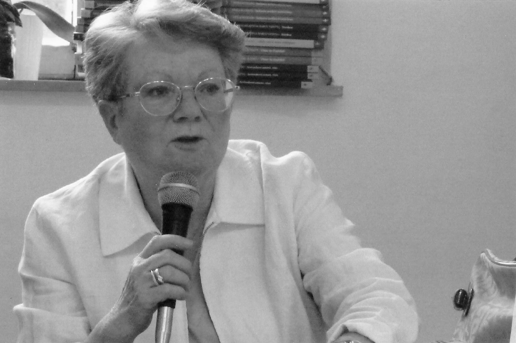 Una domanda al poeta: Maria Lenti