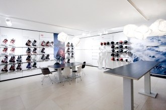 ATOMIC_showroom_001