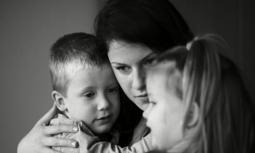 Violenza sulle donne: come chiedere aiuto