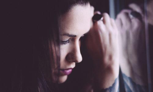paura dell'abbandono e donne che amano troppo