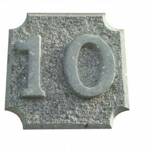 Número 10 tallado