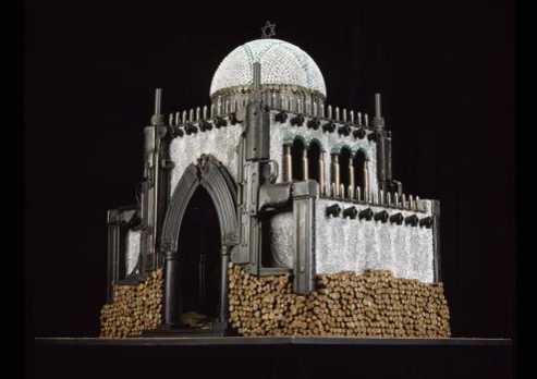 Maquetas edificios religiosos hechas balas armas fuego