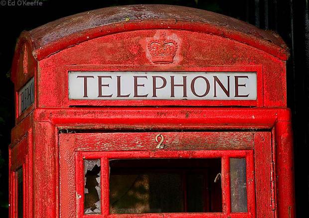 Quiere adoptar cabina teléfonos británica
