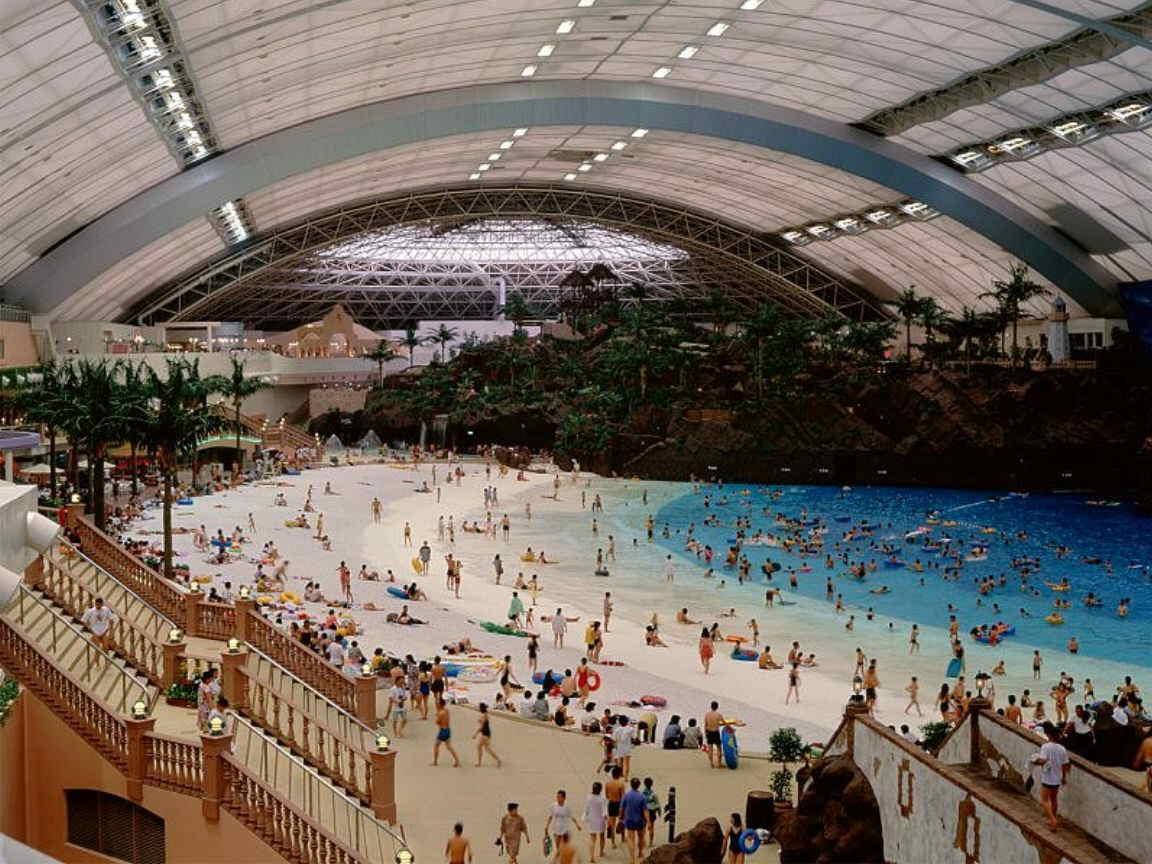 Playa artificial con cubierta retráctil en Japón