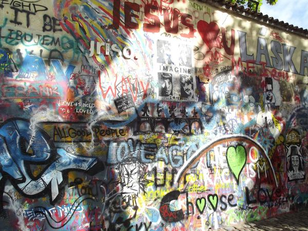 Huellas del nazismo y del comunismo en Praga