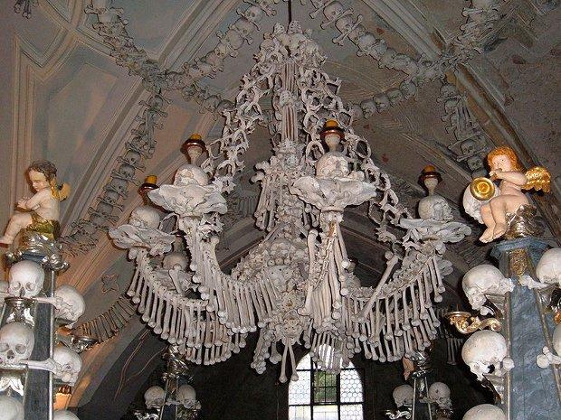 La impresionante capilla de huesos checa