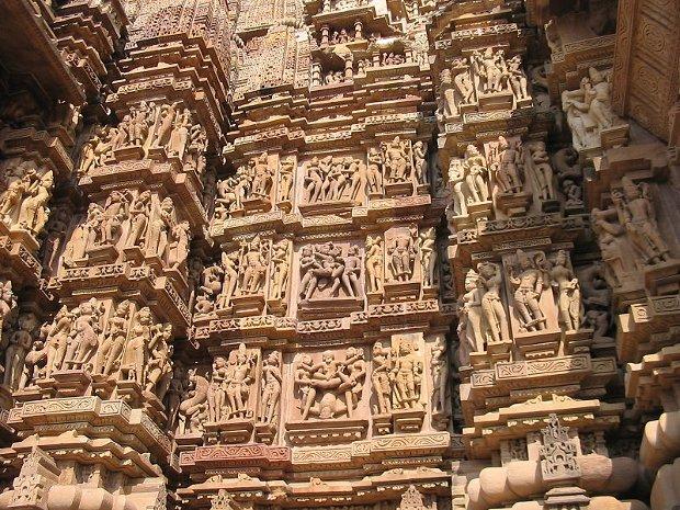 El arte erótico de los templos de Khajuraho