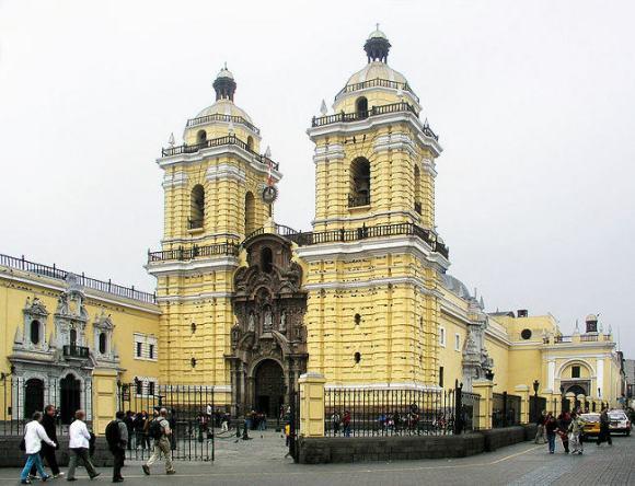 Por la ruta de los conventos de Lima