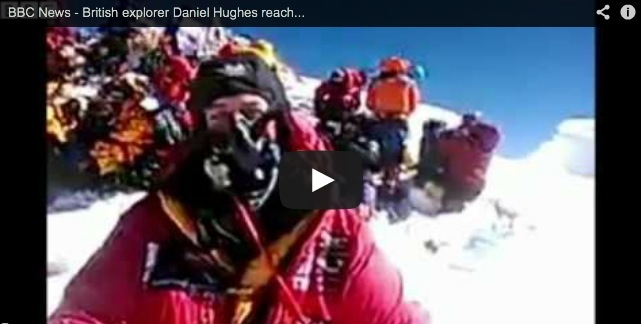 Explorador británico realiza la primera video llamada desde el Everest