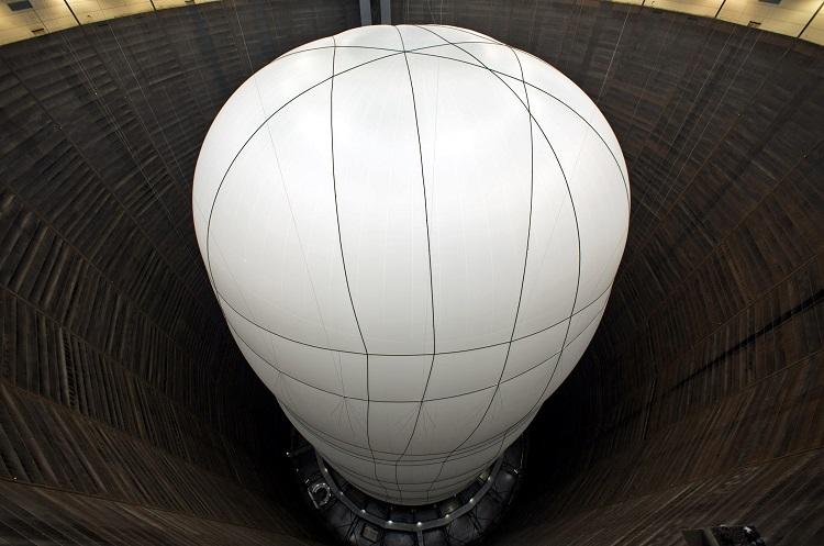 Un globo gigante en el interior del gasómetro de Oberhausen