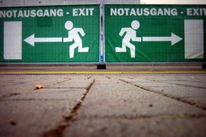 Las salidas de emergencia son más efectivas si están obstruídas