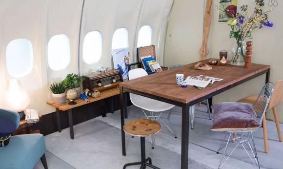 Airbnb sortea noche avion hotel KLM2