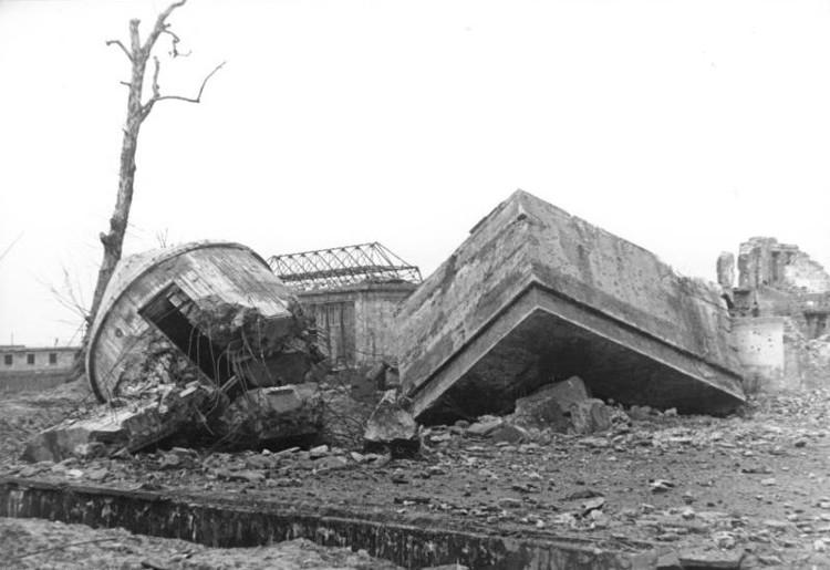 Construyen una réplica del búnker de Hitler