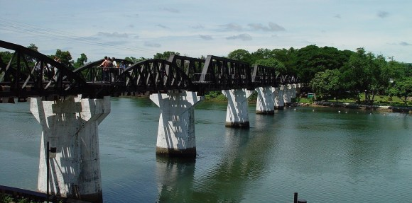 Actual puente sobre el Río Kwai Yae (Mae Klong)